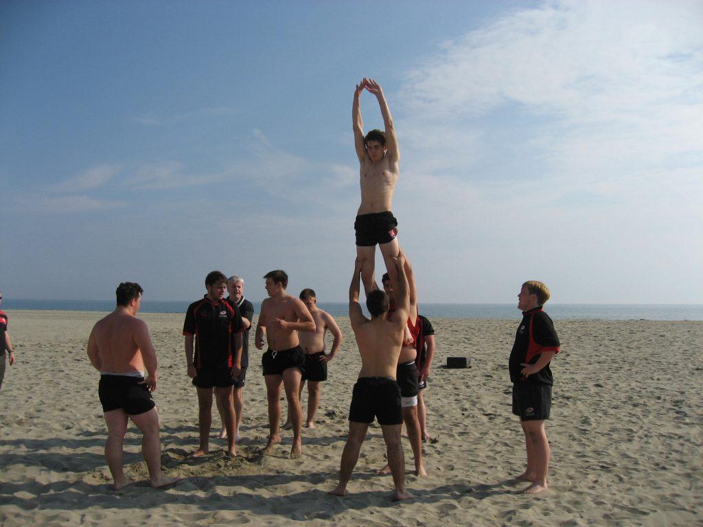 Rugby sur la plage à Oléron